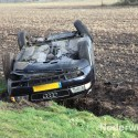 Auto over de kop Ommelpad Houbenbaan Ospel 409